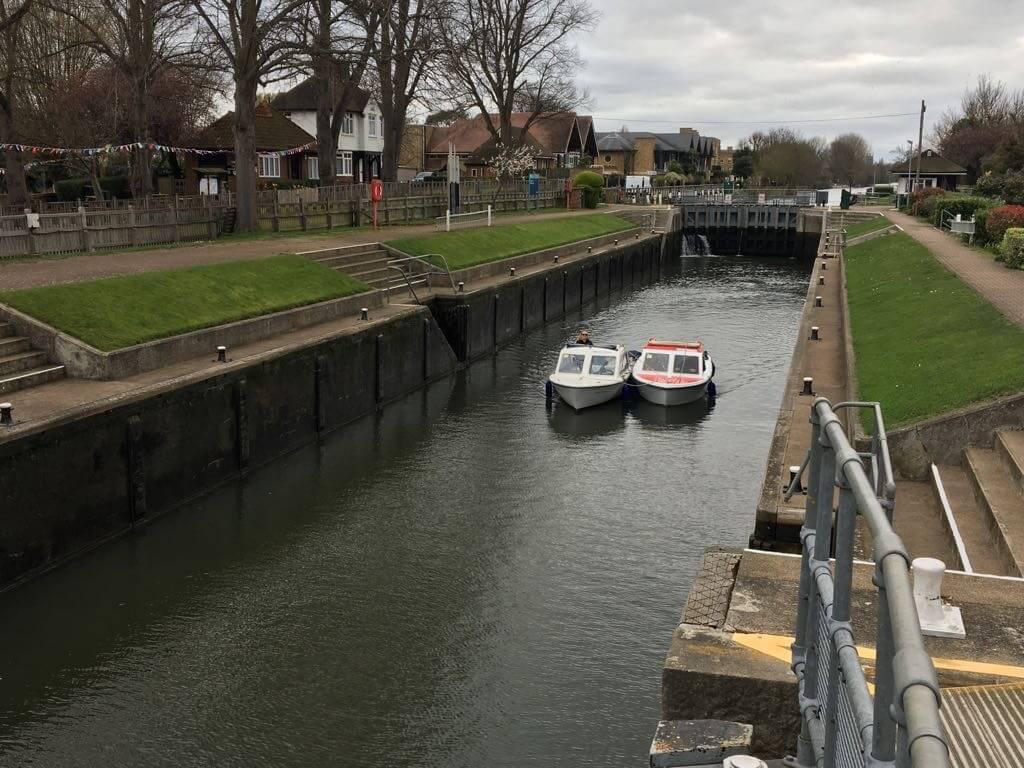 day_boat_kingston_thames_river_harts_cruisers_1