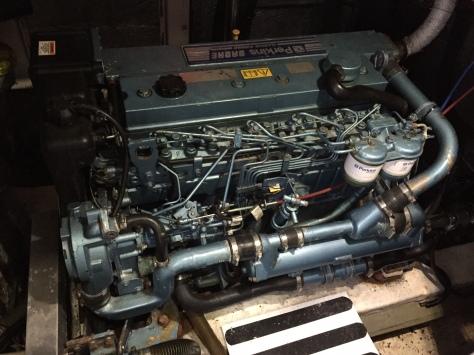 diesel_engine_clipper_race_boat