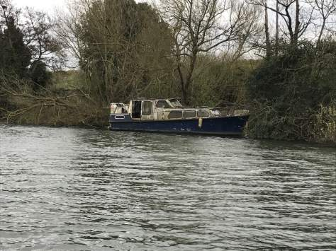 old_boat_river_thames