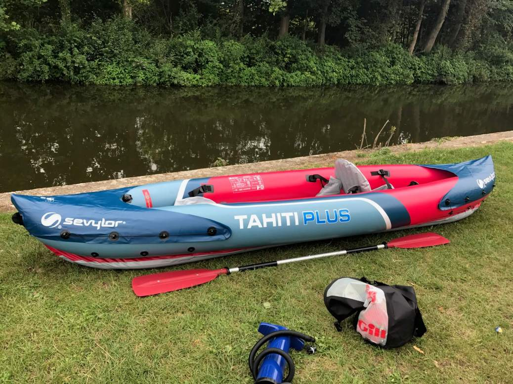 inflatable_kayaking