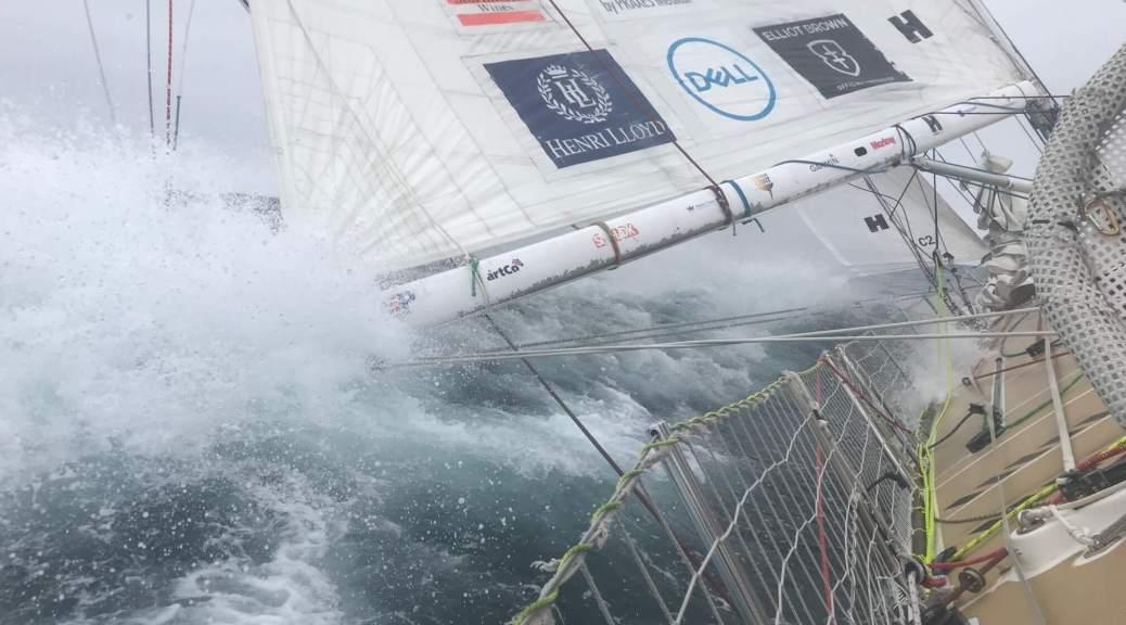 boom_water_sailing